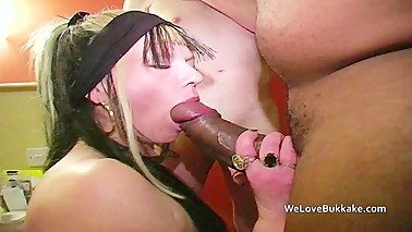 Real British housewife council skank lets guys use her