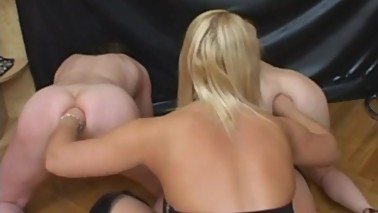 wife and husband get strapon and fist from mistress