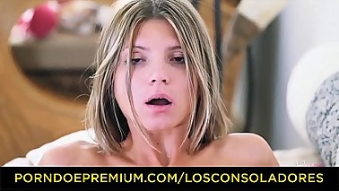 LOS CONSOLADORES - Hungarian wife Sicilia and hubby console Spanish babe in hot threesome
